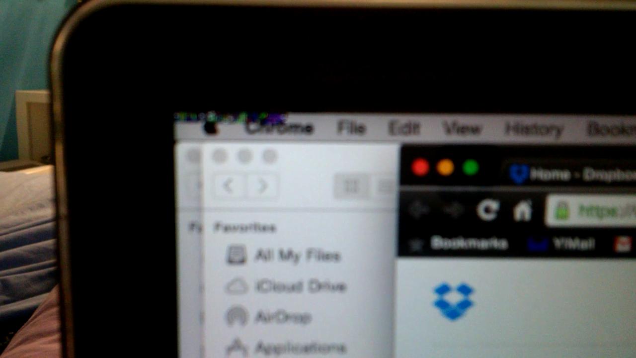 flickering portion upper left corner of s… - Apple Community