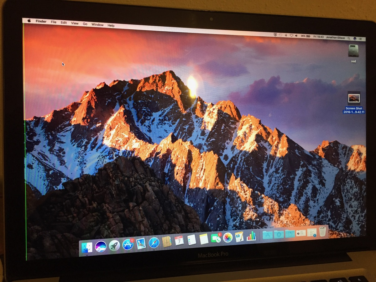 Sierra upgrade - vertical red line (MBP 1… - Apple Community