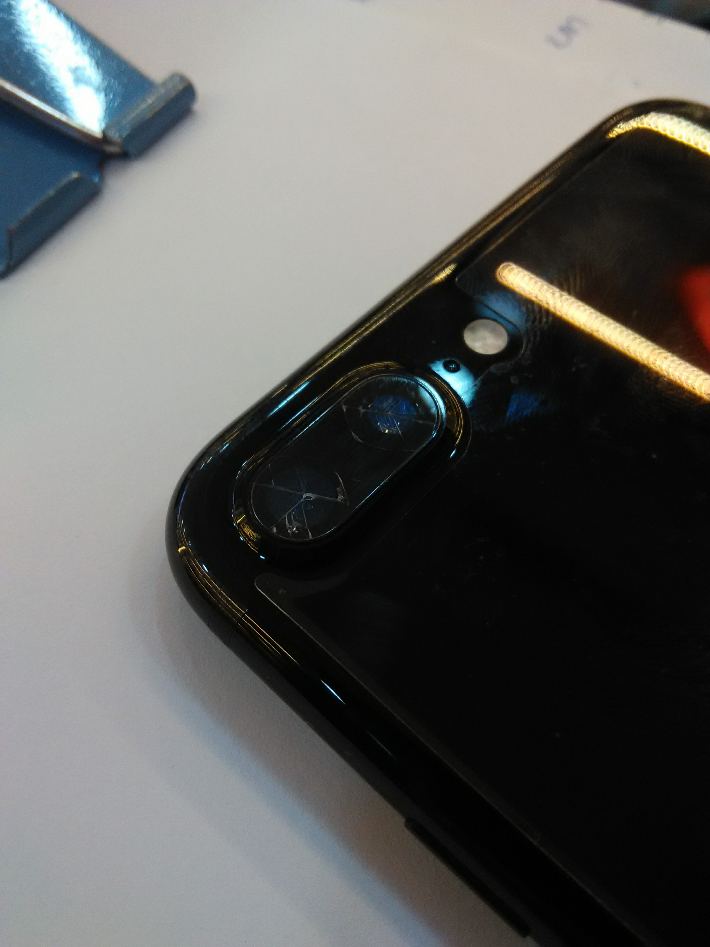 official photos 58d2e 79b9c My iphone 7 plus broken the glass of back… - Apple Community