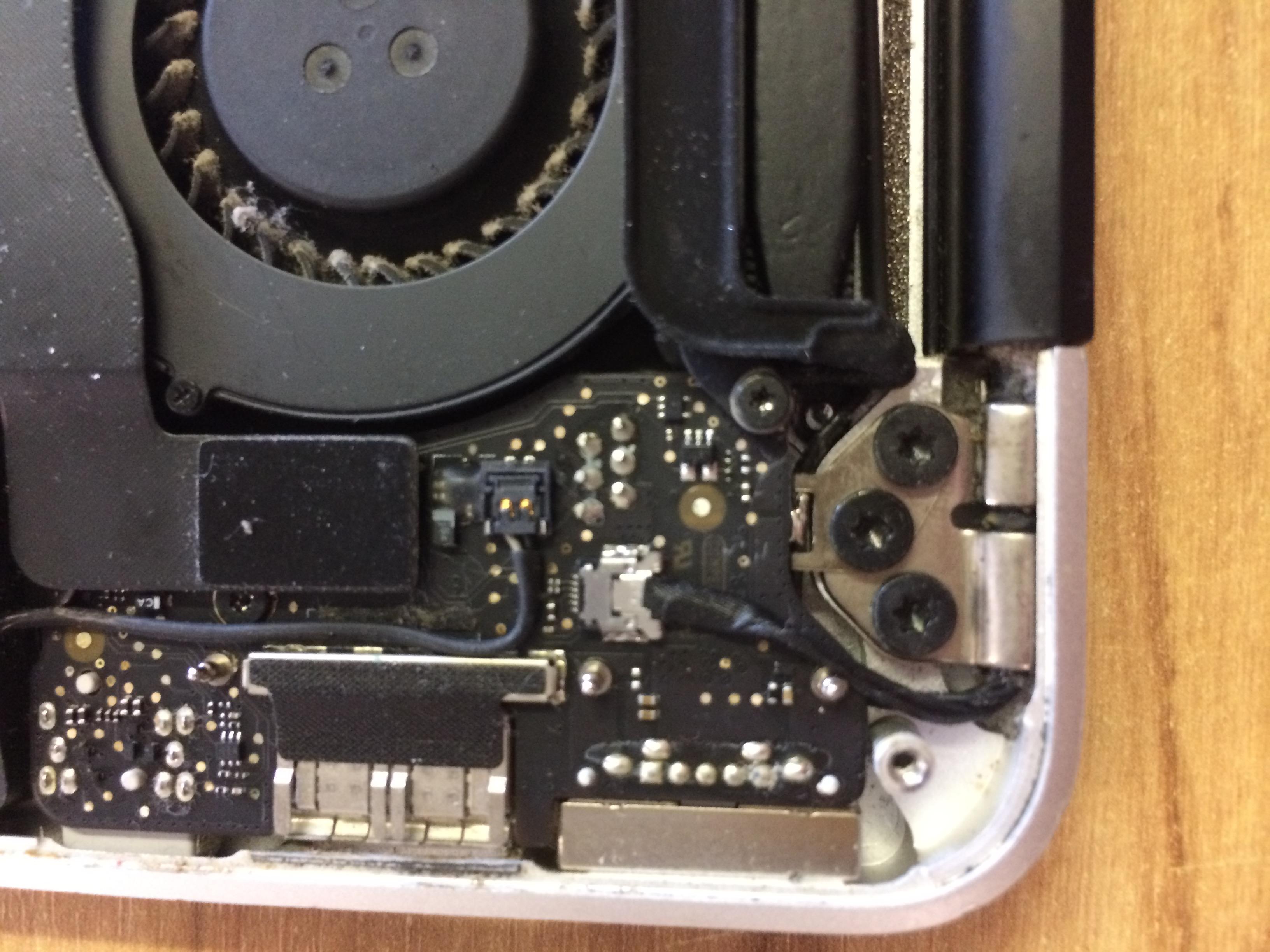 Replacing macbook air screen - Apple Community