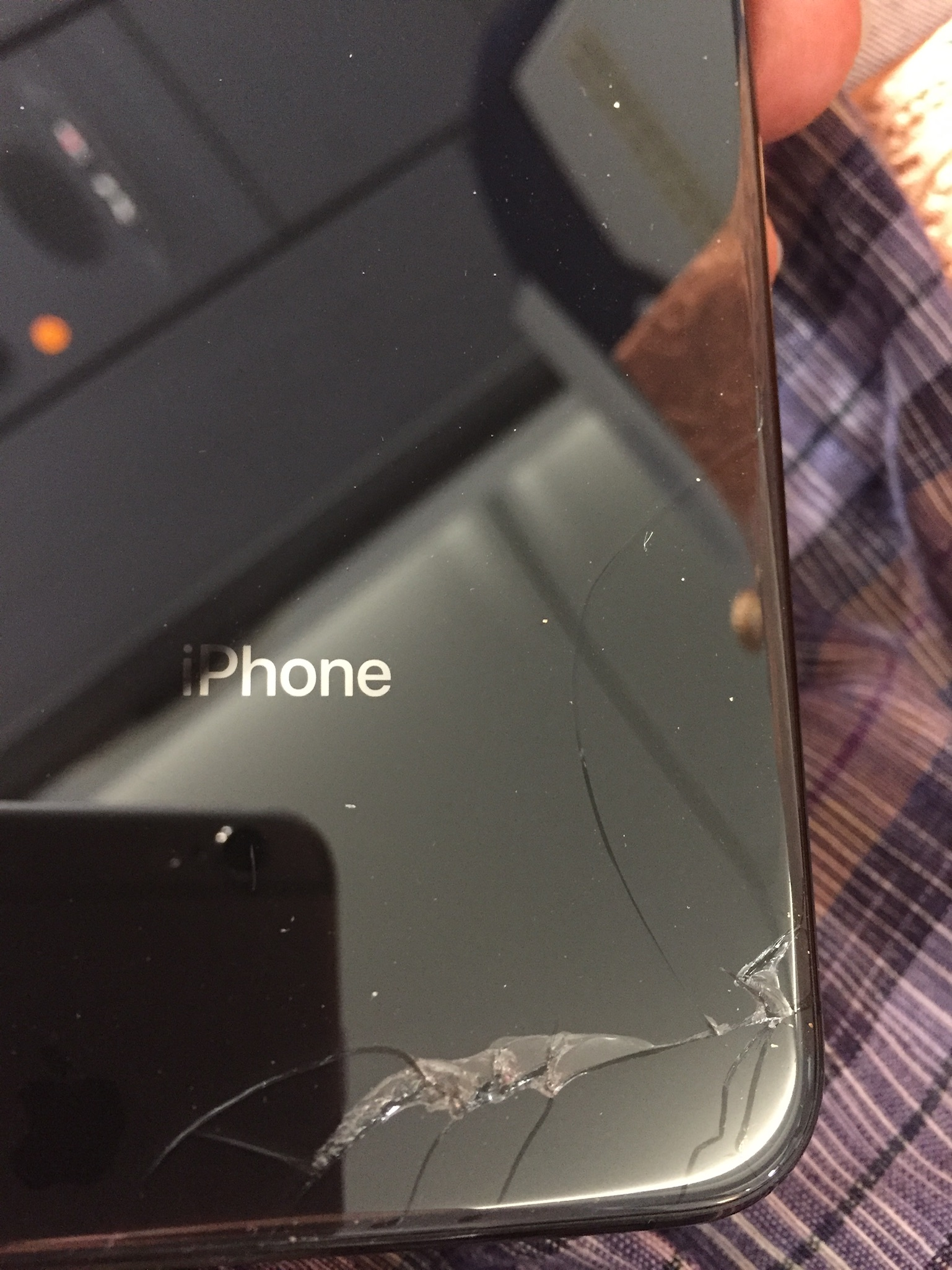 reputable site 9fd90 5ffa1 My Iphone Xs Max's back glass is broken. - Apple Community
