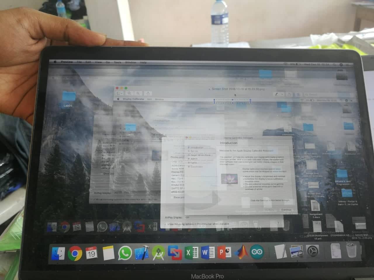 my Macbook screen flickering after Mojave… - Apple Community